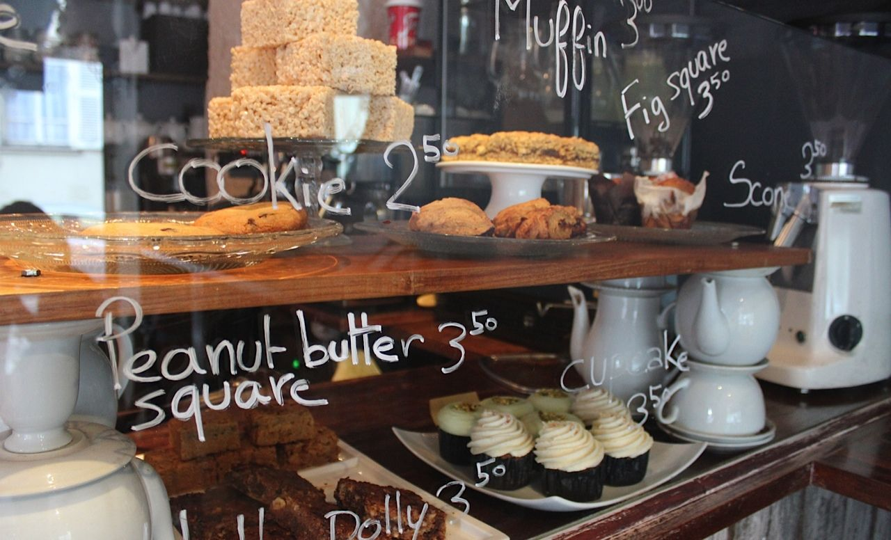 Em Paris: Sugarplum Cake Shop